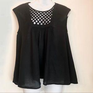 HD in Paris   black lattice short sleeve top small